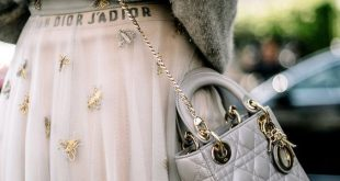 Street Style Outfit - #Outfit #purse #STREET #style